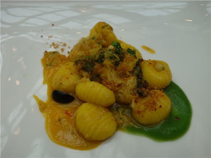 saffron gnocchi with king crab