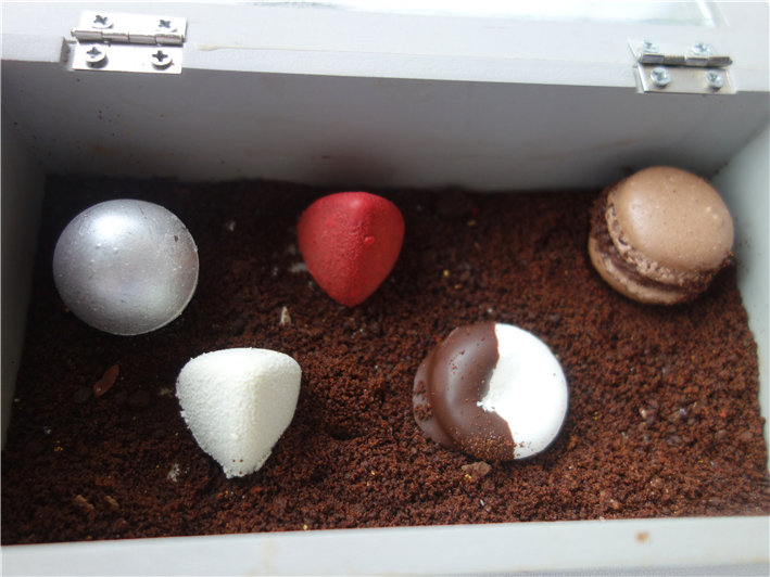petit fours box