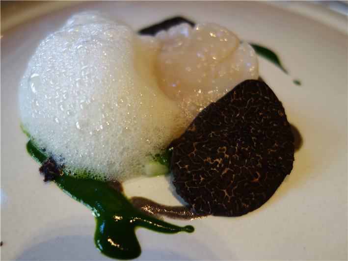 scallop with black truffle