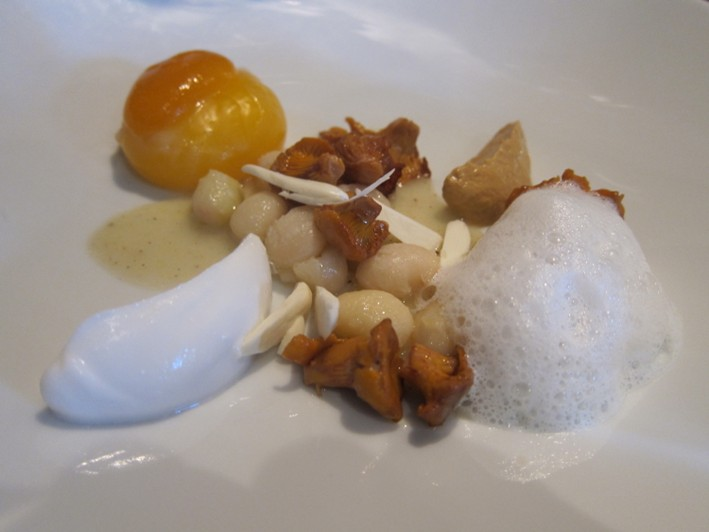 duck egg with girolles