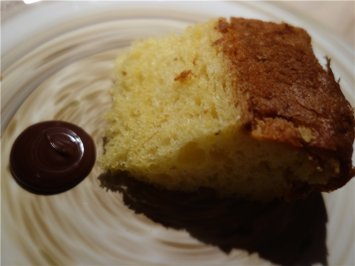 panettone with chocolate sauce