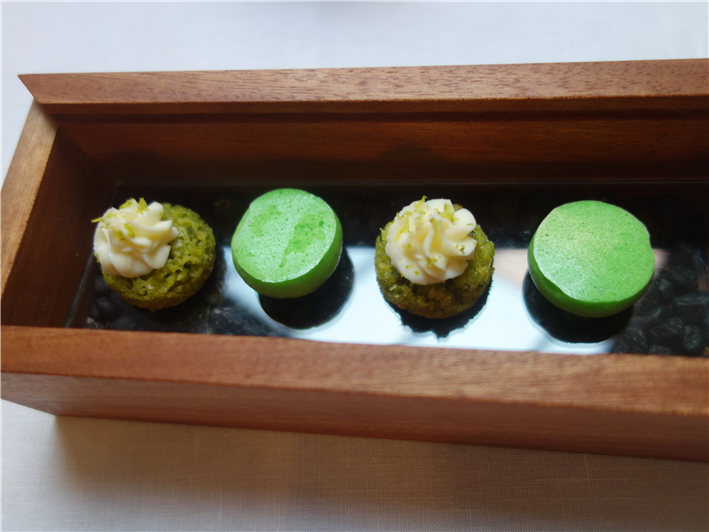 further petit fours